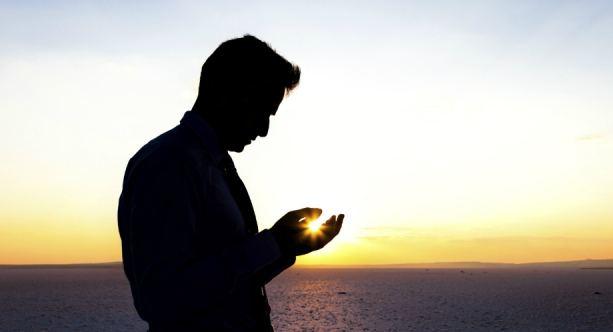 Doa Agar Dicintai Wanita yang Kita Suka Lengkap dengan Tata Caranya