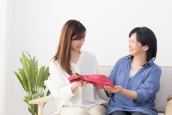 √ 8+ Inspirasi Kado Ulang Tahun untuk Ibu Berusia 50 Tahun